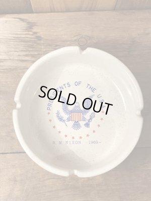 陶器製のアメリカ大統領のヴィンテージ灰皿