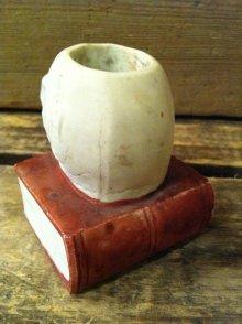 他の写真2: Skull On Book Match holder