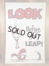 """Look Before You Leap!"" Plastic Sign メッセージ ビンテージ プラスチック看板 70年代"