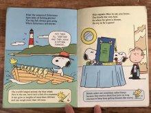 """他の写真1: Peanuts """"Snoopy Does It All!"""" Picture Book スヌーピー ビンテージ 絵本 80年代"""