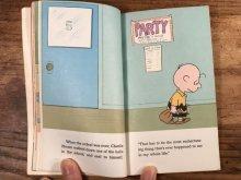 """他の写真1: Peanuts Snoopy """"You're Not Elected, Charlie Brown"""" Picture Book スヌーピー ビンテージ 絵本 70年代"""