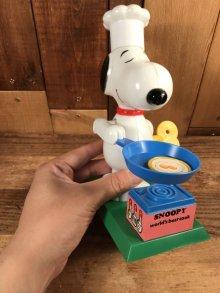 """他の写真3: Aviva Peanuts Snoopy """"World's Greatest Cook"""" Wind-Up Action Toy スヌーピー ビンテージ ワインドアップトイ 70年代"""