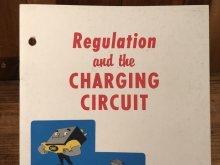 他の写真1: Delco Remy Regulation and the Charging Circuit Booklet 企業物 ビンテージ ブックレット 50年代