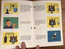 他の写真1: Delco Remy 20,000 Volts Under The Hood Booklet 企業物 ビンテージ ブックレット 50年代