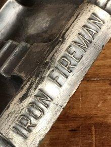 他の写真2: Iron Fireman Metal Ashtray アイアンファイヤーマン ビンテージ アシュトレイ 灰皿 40年代